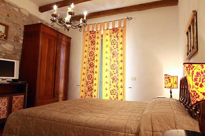 borgo-di-sempronio-alloggio-morganti-letto4